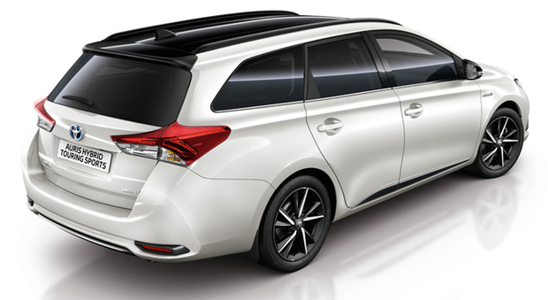 La Toyota Aurisi in allestimento Black Edition