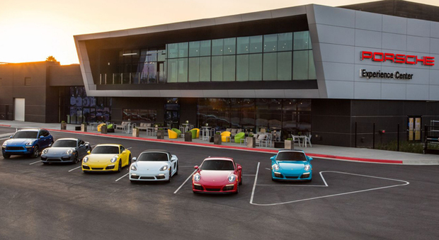 Il Porsche Experience Center di Carson in California