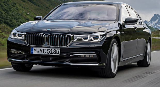 BMW  740e iPerformance, ibrida ad alte prestazioni
