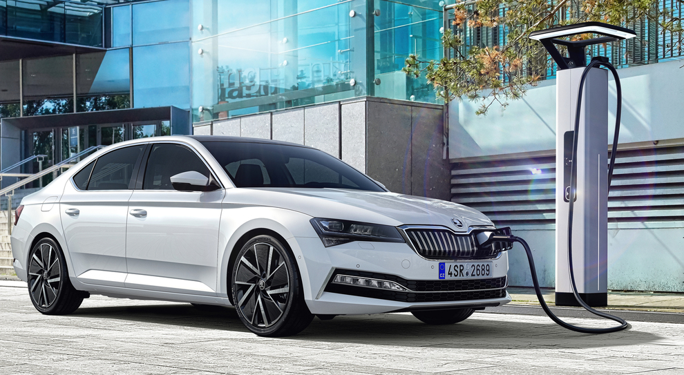 La Skoda Superb iV ibrida