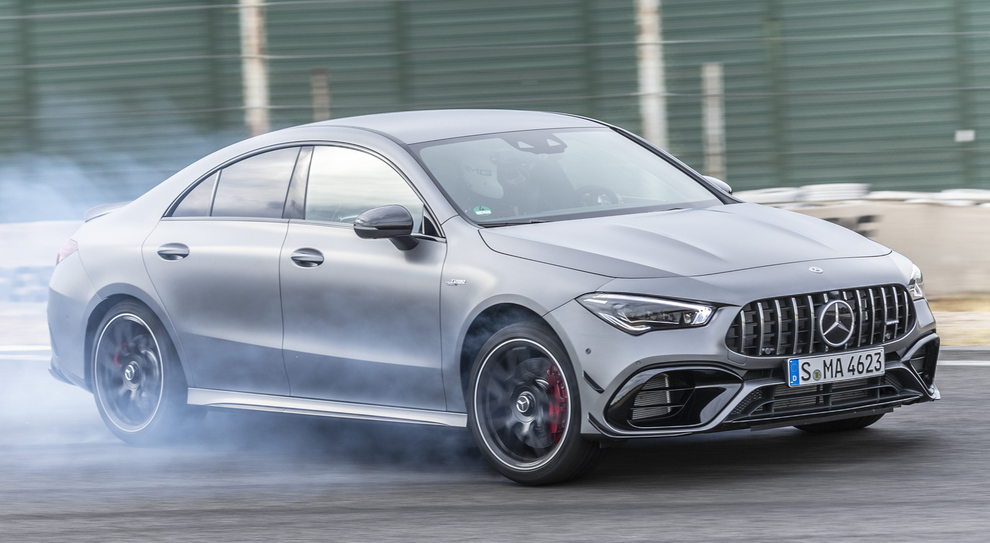La Mecedes AMG CLA45 in pista a Madrid