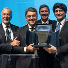 "Luca de Meo premiato dalla Bocconi"". Il presidente Seat, laureato alla celebre università, è ""Alumnus of the Year"""